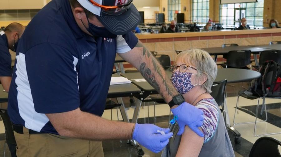 Staff at Lake Travis ISD received COVID-19 vaccinations Jan. 19. (Courtesy Marco Alvarado)