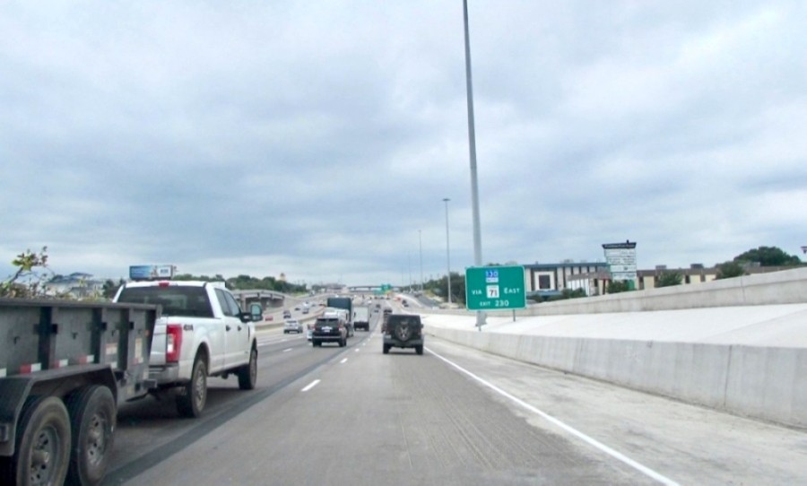 A nearly five-year project to improve I-35 in the area of William Cannon Drive and Stassney Lane is set to finish in mid-2021. (Nicholas Cicale/Community Impact Newspaper)