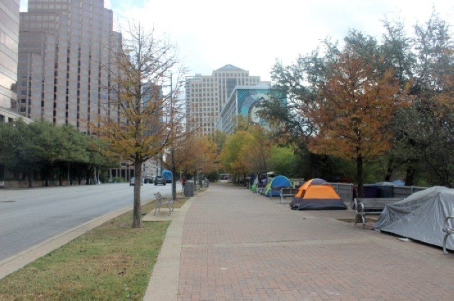 City officials are facing growing pressure to address the growing visibility of homelessness in Austin. (Olivia Aldridge/Community Impact Newspaper)