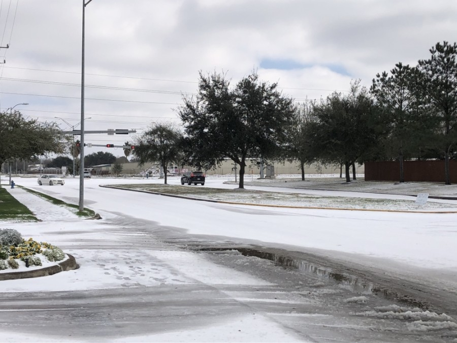 A winter storm brought snow to Sugar Land and Missouri City Feb. 15. (Claire Shoop/Community Impact Newspaper)