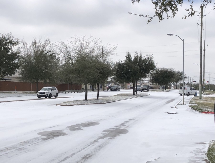 Icy road conditions remain through Sugar Land and the Greater Houston area the morning of Feb. 16. (Claire Shoop/Community Impact Newspaper)
