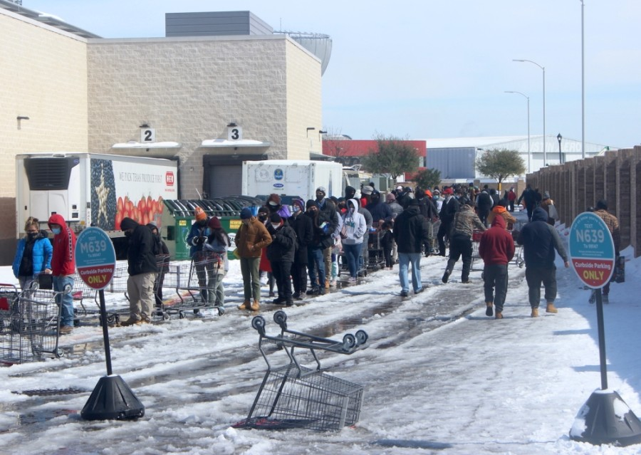 Austin residents wait in line for groceries Feb. 16. (Jack Flagler/Community Impact Newspaper)