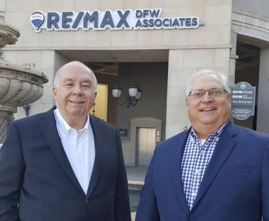 Mark Wolfe, broker and owner of RE/MAX DFW Associates, and Blair Taylor, broker and manager at the new RE/MAX location in Frisco, have relocated the RE/MAX Frisco offices. (Courtesy Wilczynski Public Relations)