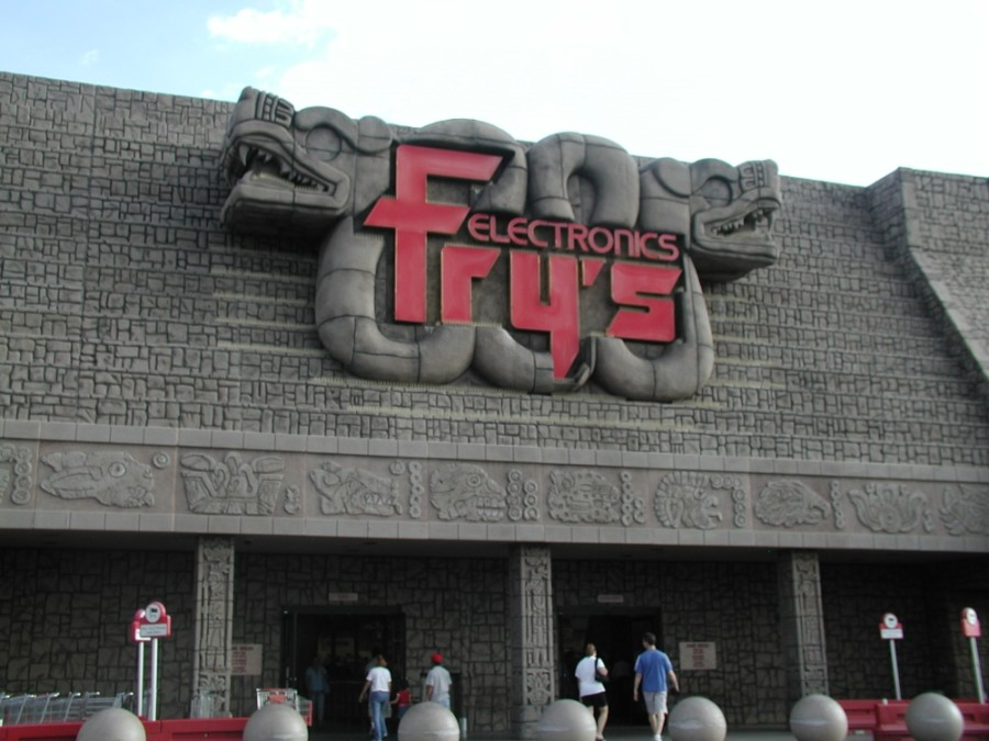 As many as 31 stores across nine states will be shuttered as Fry's Electronics shuts down due to market changes and the pandemic. (Courtesy Qygen, Wikimedia Commons)