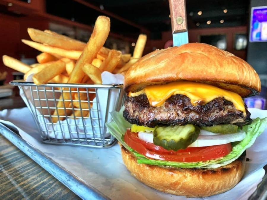 Menu items at Shakertins will include burgers, hand-rolled pizzas, nachos, wings, street tacos and sandwiches. (Courtesy Shakertins)