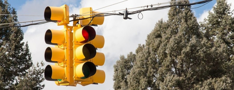Flashing lights are being installed at several The Woodlands intersections. (Courtesy Fotolia)