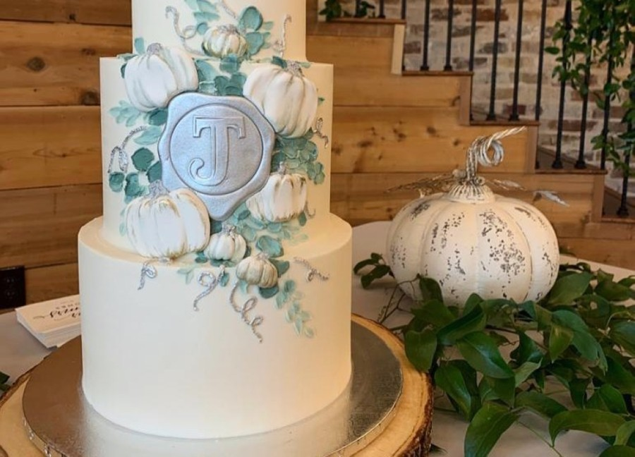Lewisville-based London Baker specializes in luxury cakes for all occasions. (Courtesy The London Baker)