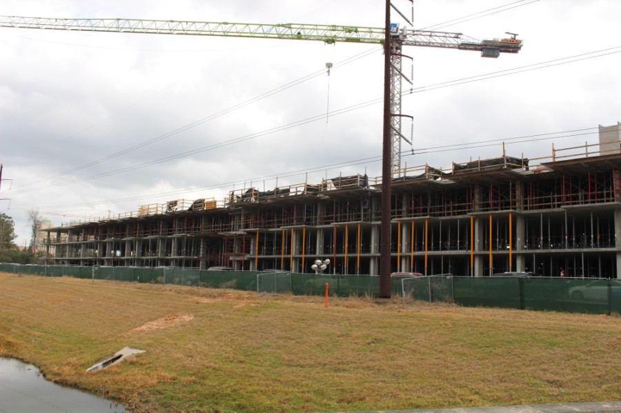The Life Time Fitness complex includes a multifamily living component. (Andrew Christman/Community Impact Newspaper)