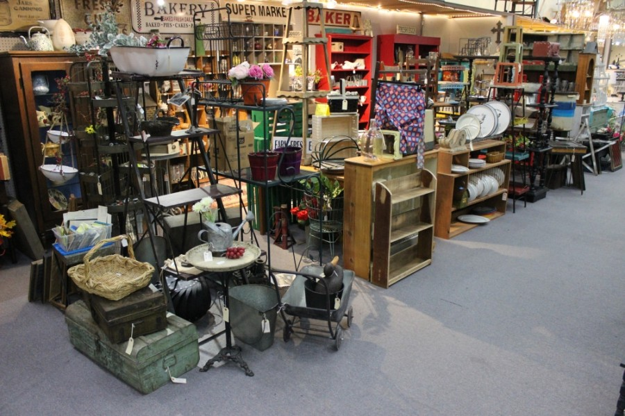 The Antique Gallery of Lewisville features a variety of items for sale from more than 100 different vendors. (Daniel Houston/Community Impact Newspaper)