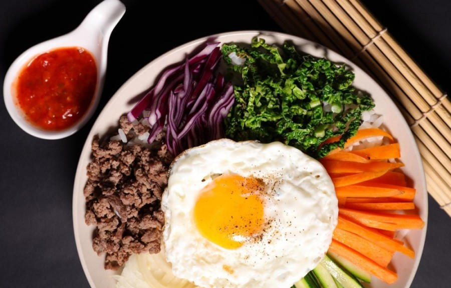 The new concept is based on the popular Korean bibimbap and allows patrons to create their own Bimbimbox with their choice of savory grilled meats, hearty vegetables and homemade sauces. (Courtesy Bimbimbox)