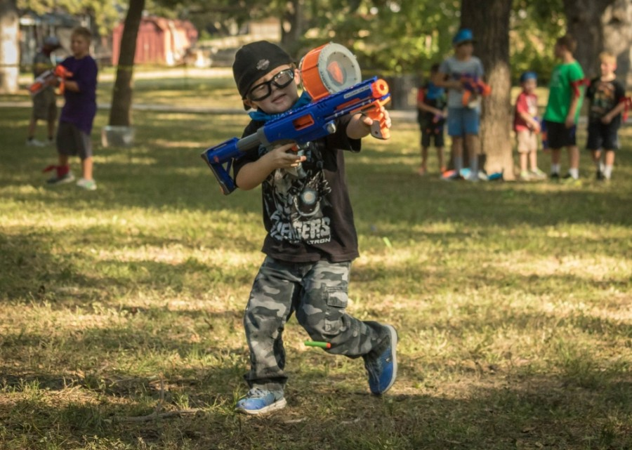 Father/Son Nerf War. (Courtesy New Braunfels Parks and Recreation Department)