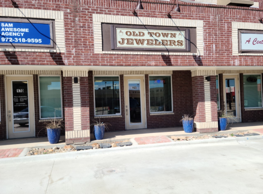 An exterior of the Old Town Jewelers.