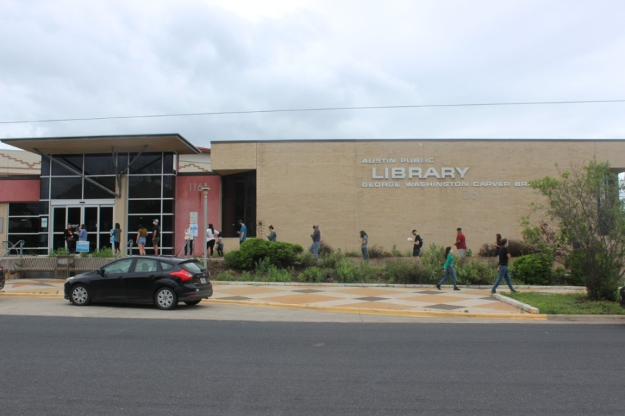 Voters line up at the Carver branch of the Austin Public Library on May 1. (Olivia Aldridge/Community Impact Newspaper)