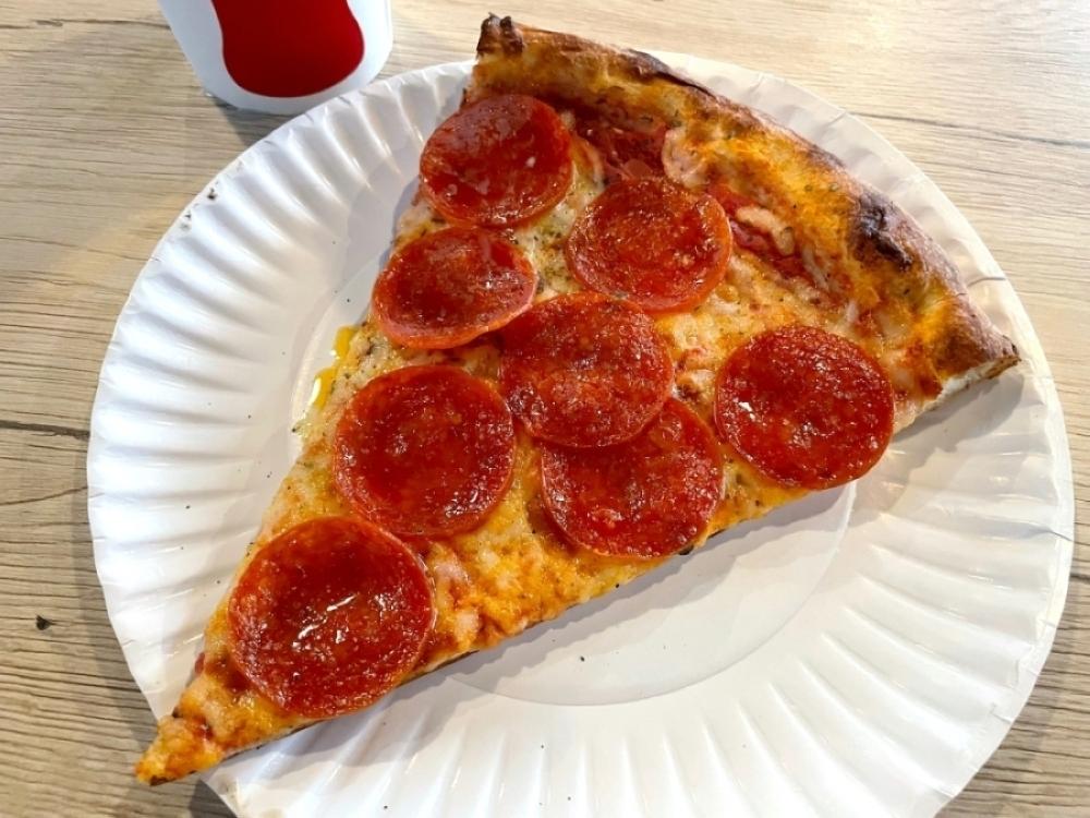 Buono's Pizza Gilbert serves New York-style pizza. (Tom Blodgett/Community Impact Newspaper)