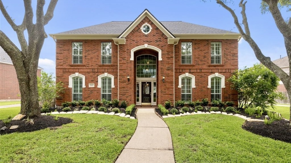 Check out the latest real estate data for Sugar Land and Missouri City, plus learn more about Sugar Land's Crescent Lakes neighborhood. (Courtesy Houston Association of Realtors)
