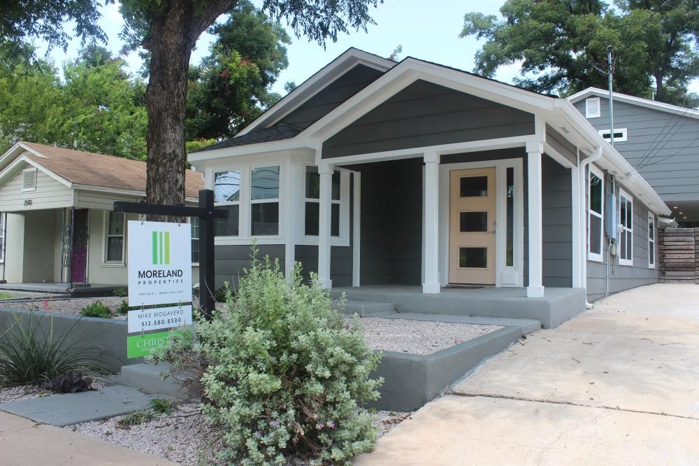 New listings in Austin decreased 3% year over year to 1,608 listings as of July. (Olivia Aldridge/Community Impact)