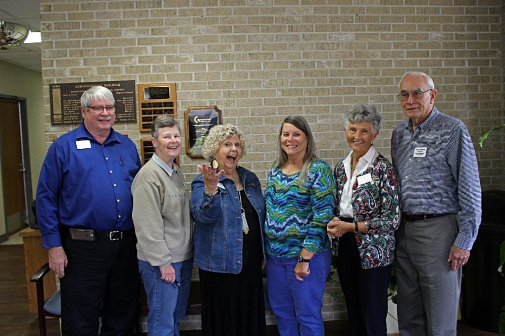From left: The Williamson County Retired Teachers Association officer include Mike Meyer, Pam Schulz, Sue Duncan, Arlene David, Barbara Johnson and Gene Stokes. (Courtesy Sue Duncan)