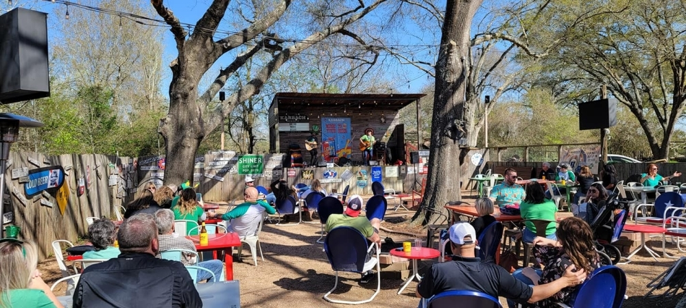 The Barn at Frio Grill has food, drinks and live music. (Courtesy The Barn at Frio Grill)
