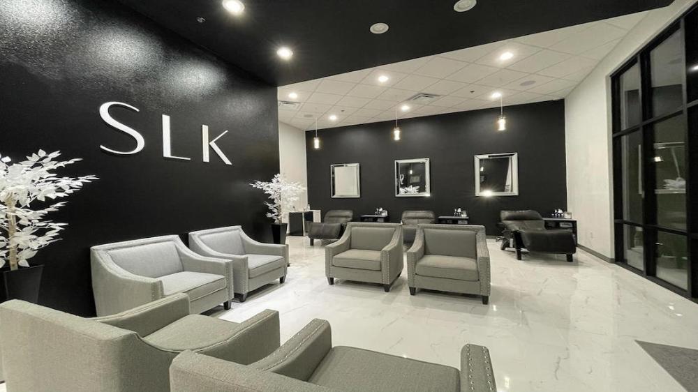 SLK Skin Klinics' reception and skin bar area at its now open location in Fort Worth. (Courtesy SLK Skin Klinics)