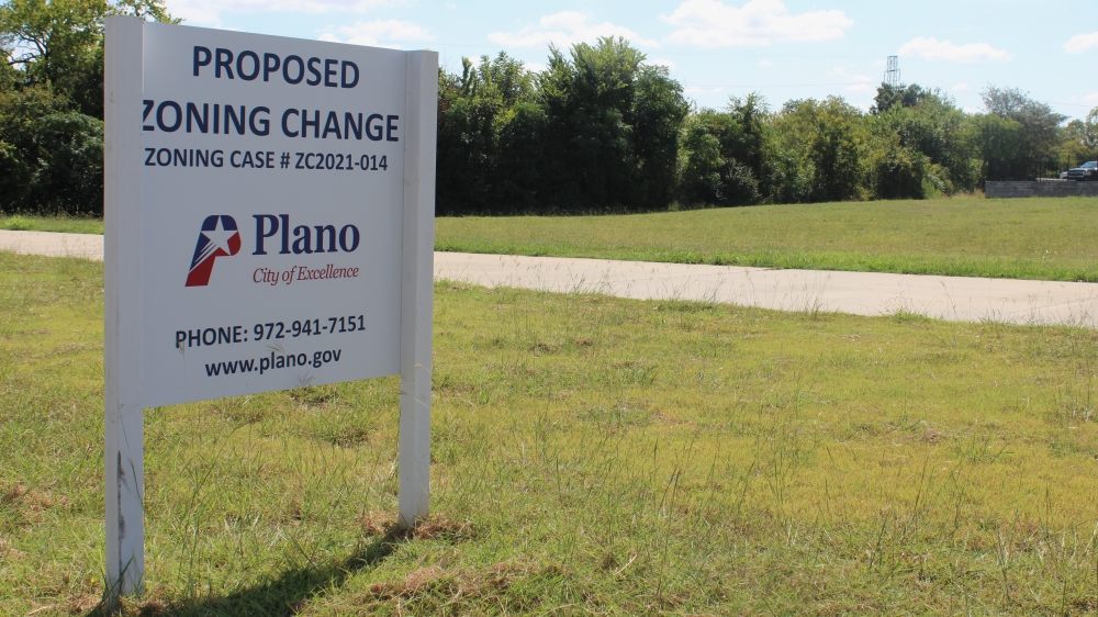 The lot where the car wash will be built falls under the Spring Creekwalk Master Plan, a 160-acre area identified by the city as having development and redevelopment potential. (Erick Pirayesh/Community Impact Newspaper)