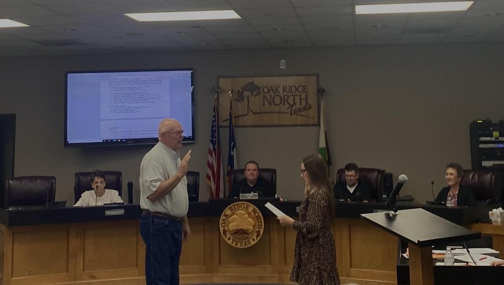 Rick Moffatt was sworn in during the Oak Ridge North regular city council meeting on Sept. 20. (Ally Bolender/Community Impact Newspaper)