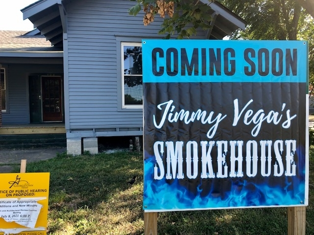 Jimmy Vega's is planning to move into this location at 408 W. University Ave., Georgetown, by early December. (Brittany Andes/Community Impact Newspaper)