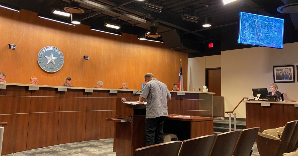 Transportation Director Gary Hudder presented the project to the Round Rock City Council. (Brooke Sjoberg/Community Impact Newspaper)