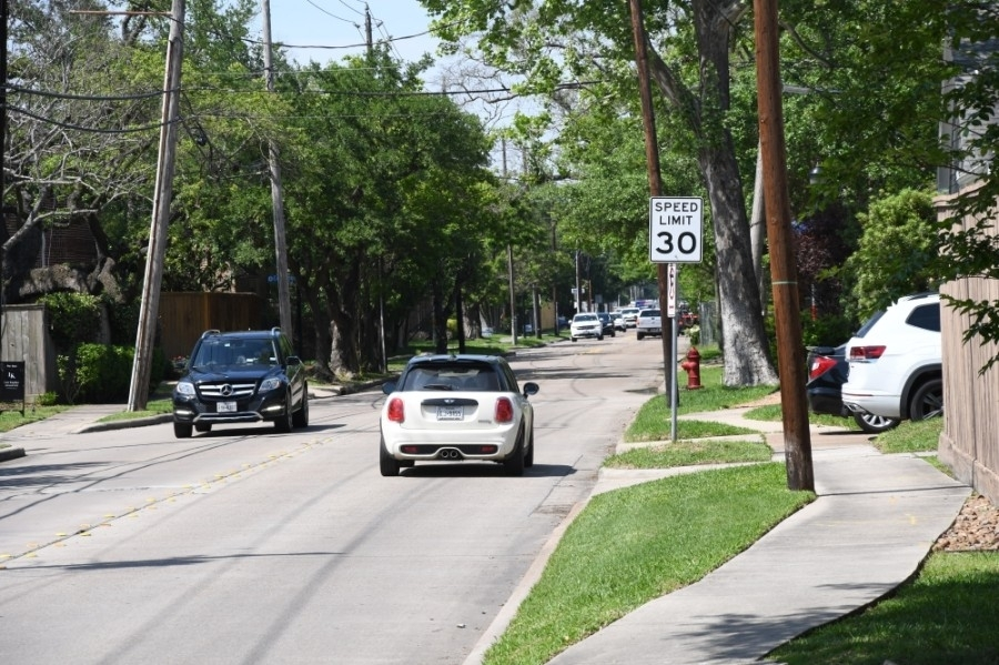 Starting in November, the city of West University Place will begin installing new speed limit signs across the entire city. (Hunter Marrow/Community Impact Newspaper)