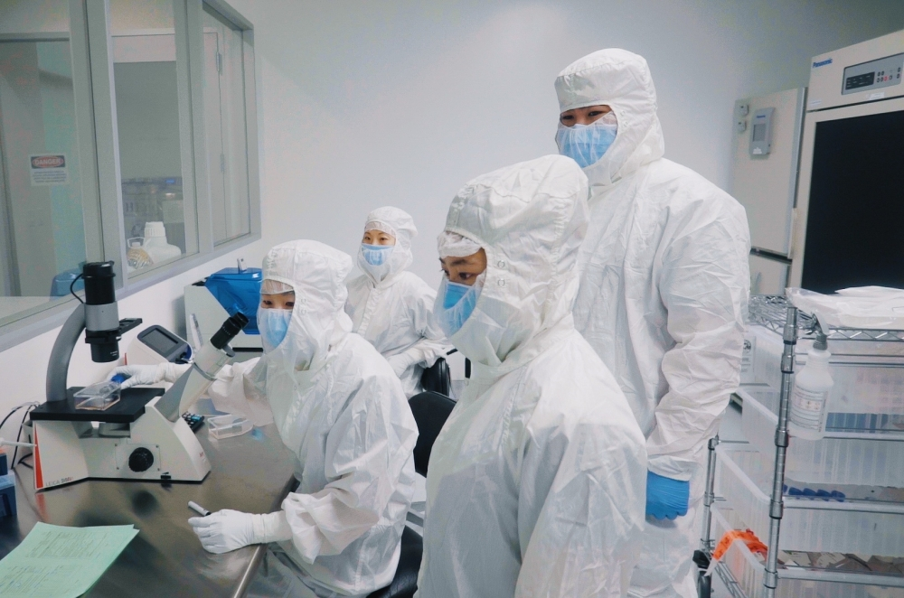From one stem cell sample, the Hope Biosciences team can grow 1,000 doses will more than 200 million cells each. (Photos courtesy Hope Biosciences)