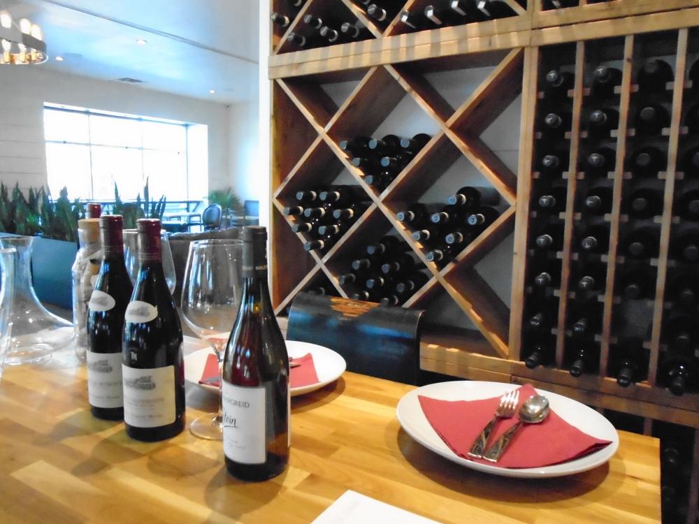 Westlake Wine Bar is now open for dinner service in Davenport Village. (Greg Perliski/Community Impact Newspaper)