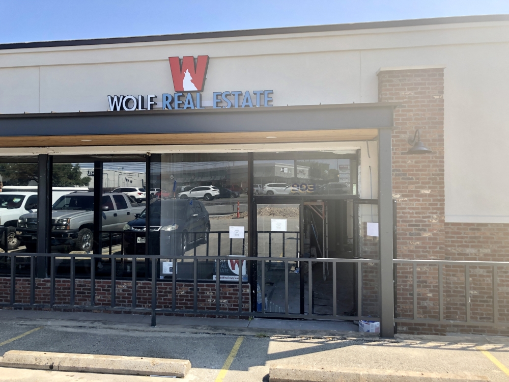 Wolf Real Estate is set to open later this year on Austin Ave., Georgetown. (Brittany Andes/Community Impact Newspaper)