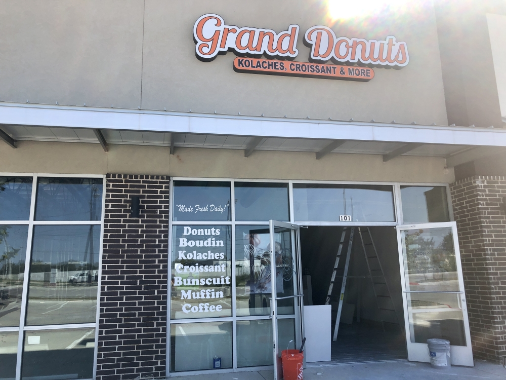 Grand Donuts opening soon in Georgetown. (Brittany Andes/Community Impact Newspaper)