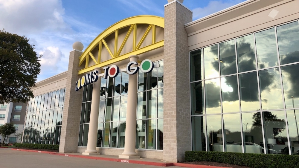 Rooms To Go on Aug. 21 opened a new showroom location at 15424 S. Freeway 288, Pearland. (Andy Yanez/Community Impact Newspaper)