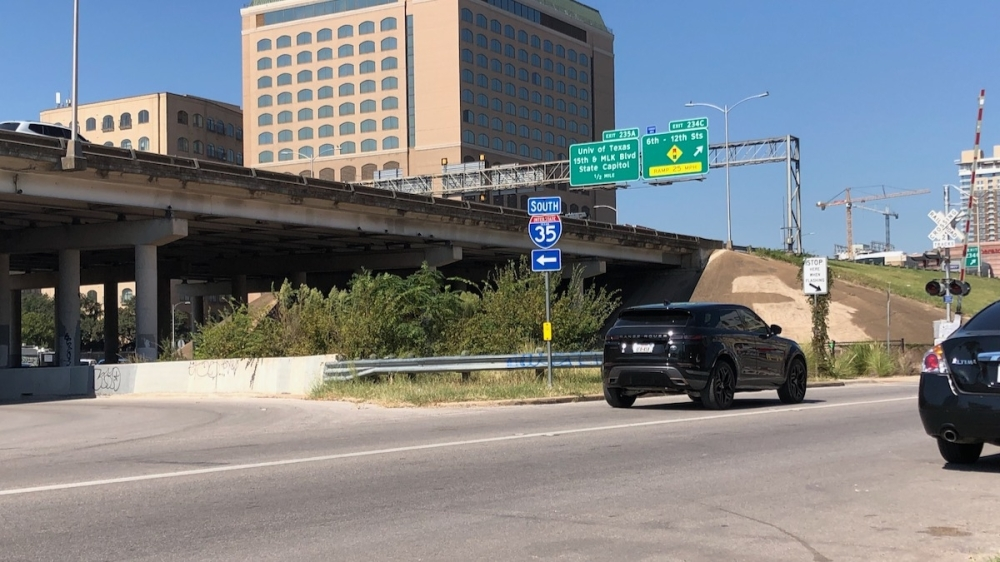 A calculator created by the Rocky Mountain Institute looks at the environmental impact of TxDOT's proposed designs for I-35 in Central Austin, one of the most congested roadways in the country. (Benton Graham/Community Impact Newspaper)
