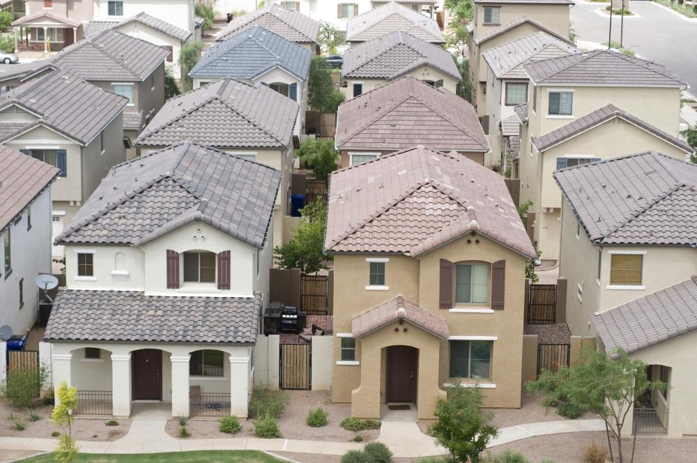 Row of Arizona houses. (Courtesy Adobe Stock)